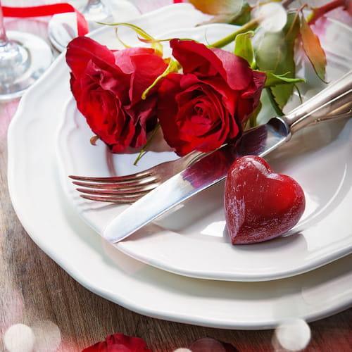 Tavola per san valentino come apparecchiare una cena a due - Decorazioni tavola san valentino ...