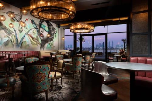 """اخبار الامارات العاجلة 1285990 """"آهي"""" يقدم أطباق تعبق بمزيجٍ من المكونات البيروفية مع التوليفات اليابانية أخبار السياحة  مطاعم في دبي طعام فاخر رفاهية"""