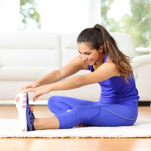 Palestra in casa 10 esercizi con attrezzi o senza - Palestra a casa esercizi ...