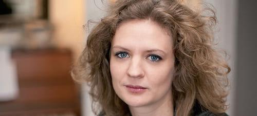 """Dix bonnes raisons de ne pas lire """"Hommage de l'auteur absent de Paris"""", d'Emmanuelle Allibert"""