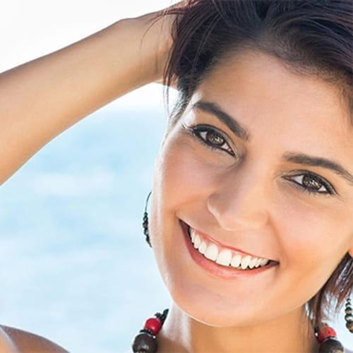 اخبار الامارات العاجلة 1284777 نصائح للحصول على أسنان بيضاء و ابتسامة تخطف الأنظار أخبار الأناقة و الجمال  مكياج جمال