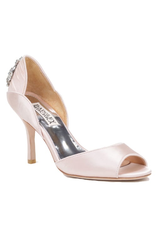adb75f644ee42 احدث موديلات احذية العروس من badgley Mischka ~ صبايا