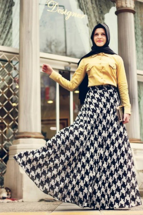 Retro style fashion for muslimah