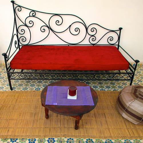 Letto alla turca divano di giorno giaciglio di notte - Storie di letto ...