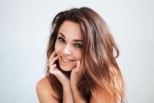 اخبار الامارات العاجلة 1290382 فوائد الخيار الجمالية كعلاج الهالات السوداء ونعومة الشعر أخبار الأناقة و الجمال  جمال