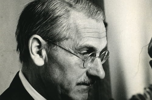 Jean Anouilh : Biographie