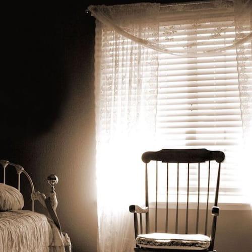 Tende shabby 10 idee per camera da letto salone o cucina - Idee tende camera da letto ...