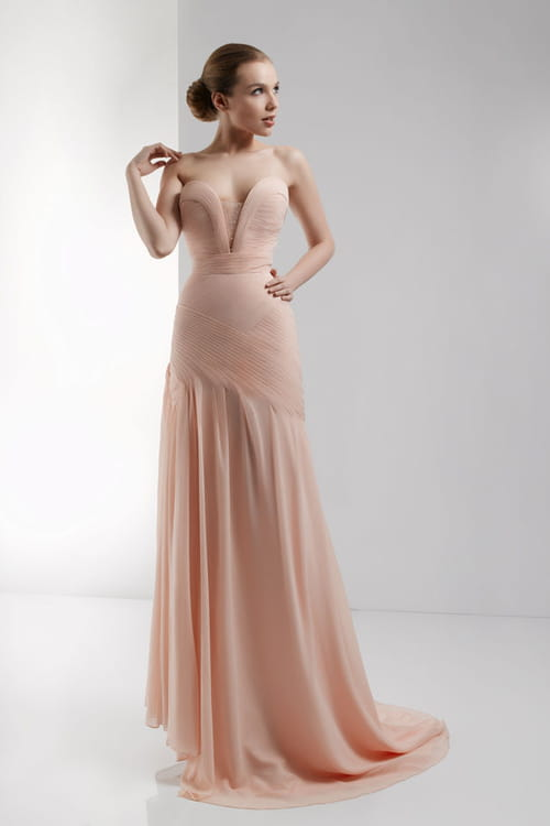 c4540948bc56 Abiti Da Cerimonia Lunghi Color Cipria » Una sposa in rosa. Abiti da ...