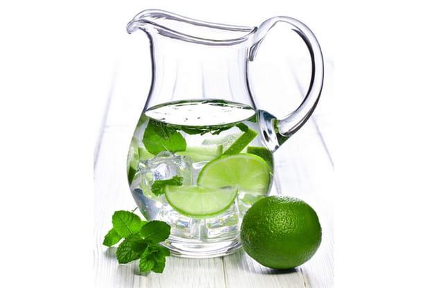 فوائد الماء الدافيء الليمون الحامض
