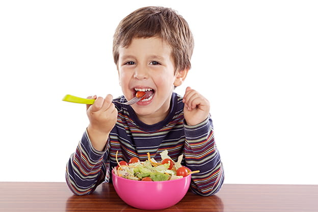 5 نصائح لتشجيع طفلك على تناول الأكل الصحي 1165334.jpg