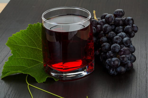 فوائد عصير العنب الطبيعي