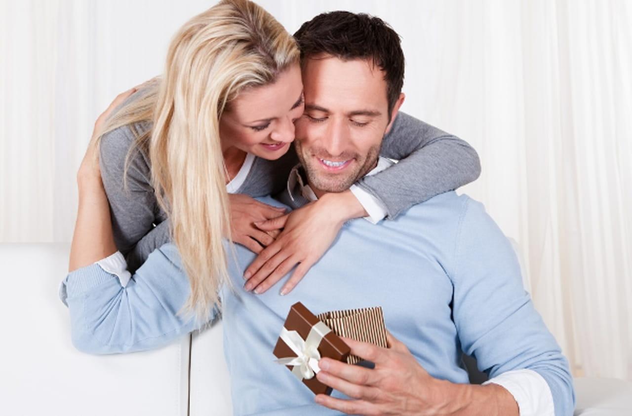 أهم من الهدية.. طريقة تقديمها أفكار تساعدك على مفاجأة شريك