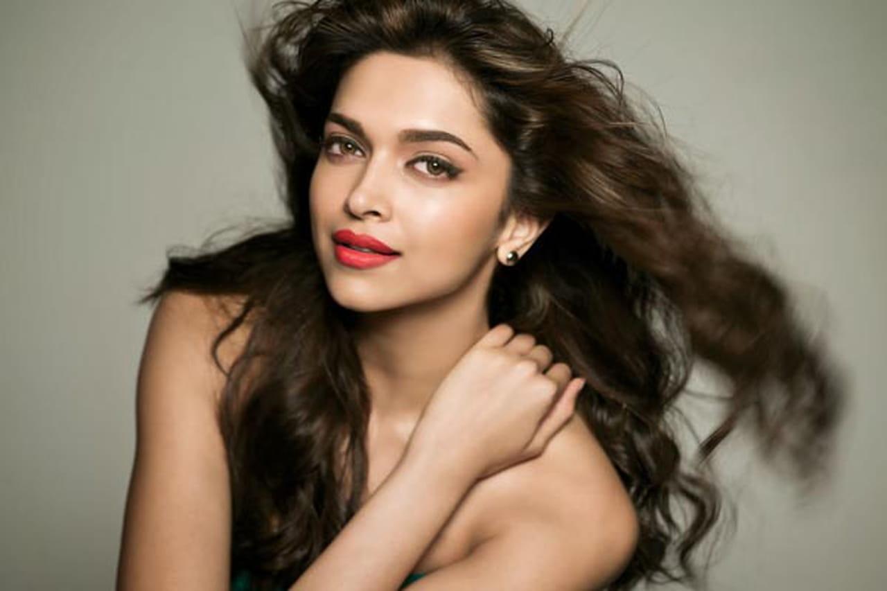 الهندية الجميلة ديبيكا بادكون وجهاً اعلانياً لعلامة مجوهرات Tanishq